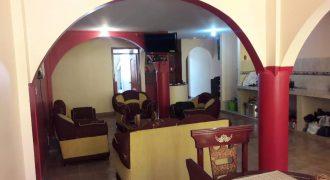 Se vende hermosa casa ubicada entre La ecuatoriana y la Marta Bucaram excelente ubicación